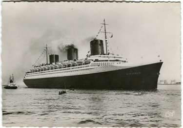 PAQUEBOT S.S NORMANDIE - CARTE POSTALE GRAND FORMAT GLACEE - EDITEUR : CAP - STRASBOURG - REF. SITE : CAPGFG 1-2-85 PSB