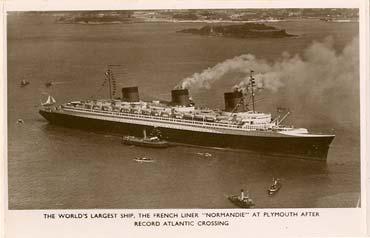 Paquebot S.S NORMANDIE - Carte postale glacée Noir et Blanc Pays : ANGLETERRE - Editeur anonyme - Réf. Site : ANGNBANOE 1-2 PSB