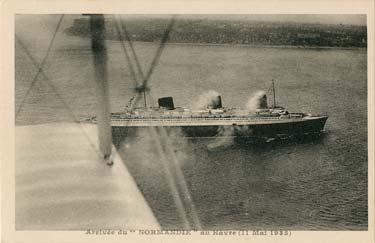 S.S NORMANDIE - Carte postale classique noir et blanc Editeur : Editions Aériennes - Réf. ED-AERC-1-2 PSB