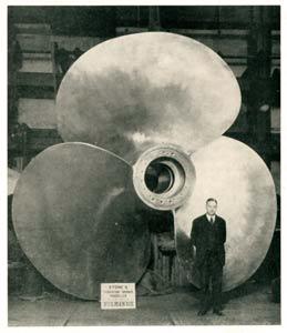 s.s. Normandie - Construction des hélices - Hélice terminée chez Stone`s Propellers