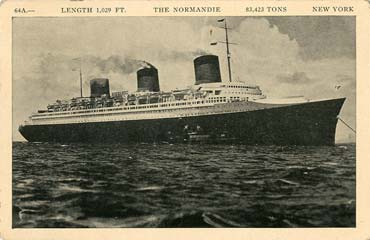 PAQUEBOT S.S NORMANDIE - CARTE POSTALE U.S.A CLASSIQUE NOIR ET BLANC - EDITEUR : MANHATTAN POST CARD PUBLISHING CO. - REF. SITE : MAN-PCE 1-64A-2 PSB