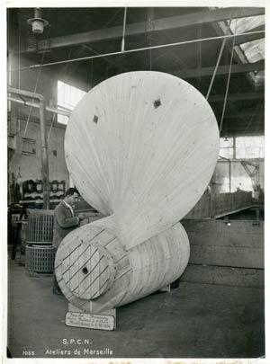 S.S NORMANDIE - S.P.C.N (Société Provençale de Construction Navale) - Photo 3 - Modèle d`hélice en construction