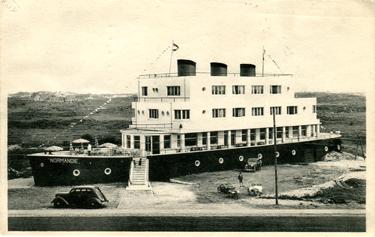 Paquebot S.S. NORMANDIE - Carte-postale classique Noir et blanc - Editeur : Ernest THILL - Bruxelles - Réf. Site : THILLP HOT1-74 PSB