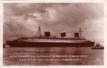 S/S NORMANDIE - Carte postale petit format glacée TITO - Sortie de St. Nazaire