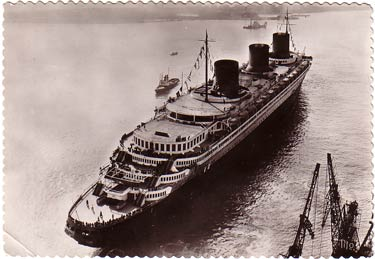 S.S NORMANDIE - CARTE POSTALE TITO GRAND FORMAT GLACEE BORDS DENTELES 2-2-14